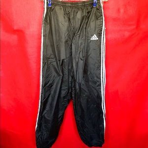 Men's Adidas lined wind pants. L black/white. A477